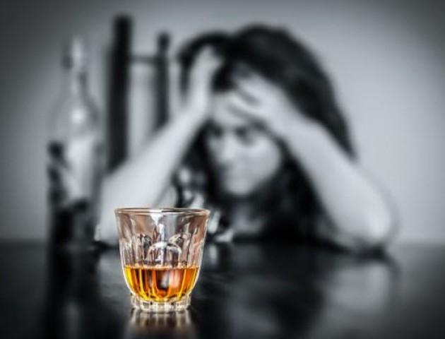У Луцьку розповіли, як рятуватись від алкогольної залежності. ВІДЕО