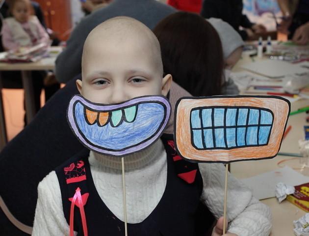 Новий флешмоб у Луцьку: #щасливадесятка для онкохворих діток