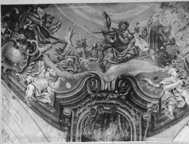 Унікальні світлини фресок костелу у Любешеві