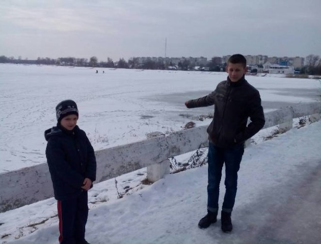 У Ковелі дев'ятикласник врятував хлопчика, який впав під лід