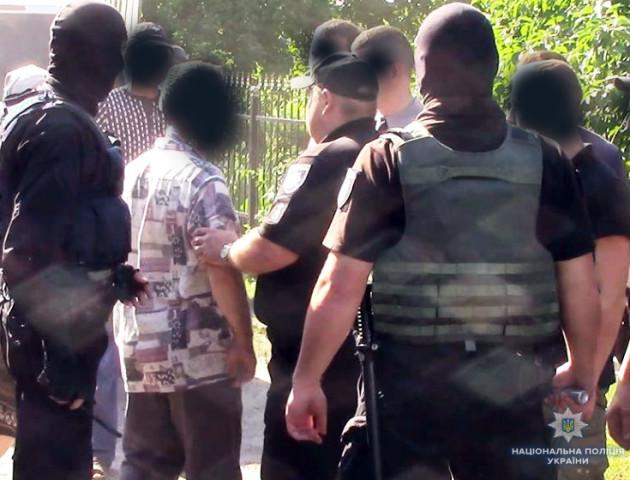 Волинянам, які шарпали та штовхали поліцейських, «світить» два роки в'язниці