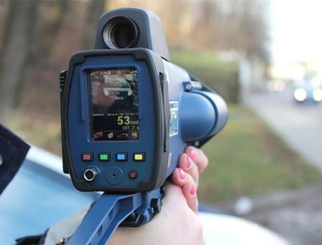 Повідомили, на яких дорогах Волині встановлять камери для вимірювання швидкості