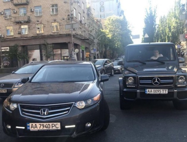 У Києві зловили молодиків, які побили нардепа Мустафу Найєма. ФОТО