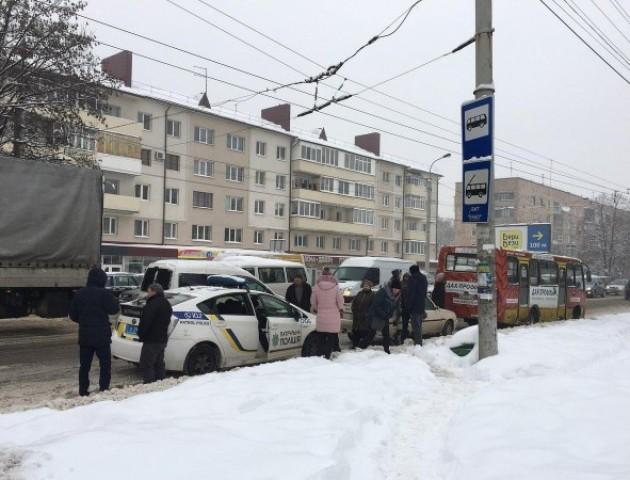Подробиці аварії за участю маршрутки в Луцьку. ФОТО