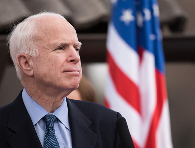 Помер американський сенатор Джон Маккейн