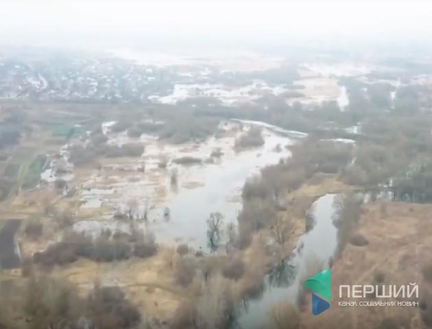 Показали, як починає затоплювати заплаву річки Стир поблизу Луцька