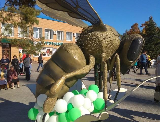 Гігантська бджола з Волині ввійшла до Книги рекордів