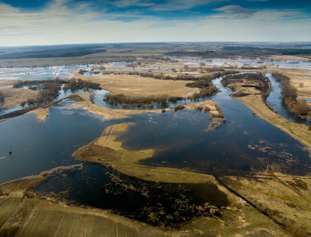 На кордоні з Білоруссю та Польщею укріпили берег річки Західний Буг