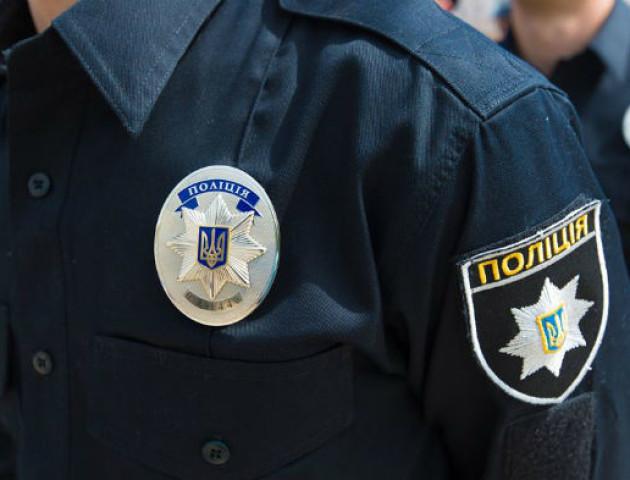 Поліція прокоментувала бійку патрульного з двома чоловіками в луцькому парку