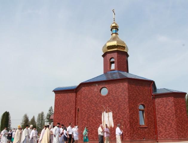 На луцькому кладовищі в Гаразджі освятили храм