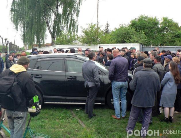 Ковельські залізничники влаштували страйк. Керівника з Києва не пустили в депо