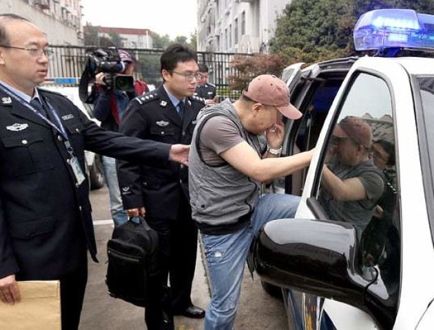 Поліція Китаю показала саме ідіотське пограбування в історії. ВІДЕО