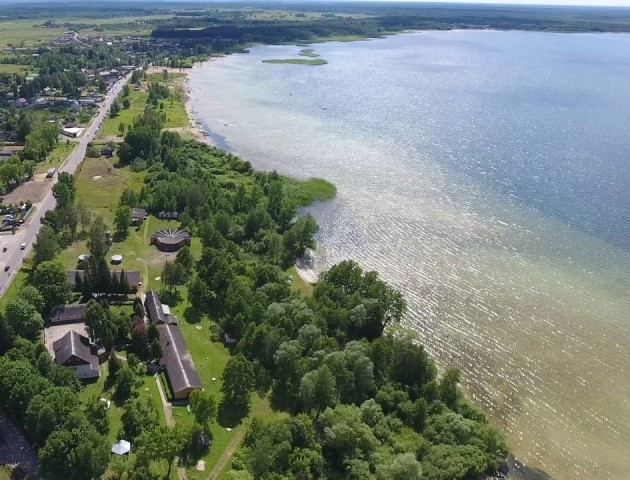 Дивовожна Україна: волинське озеро Світязь - з висоти пташиного польоту. ВІДЕО