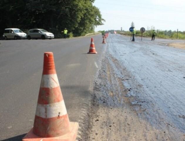 Прем'єр-міністр анонсував «велике будівництво» доріг між обласними центрами