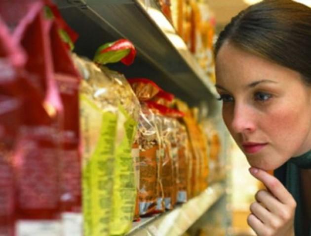 У Канаді маркуватимуть усі шкідливі продукти харчування