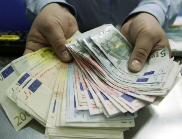 Курс валют на 31 травня: євро суттєво подорожчав, долар не відстає