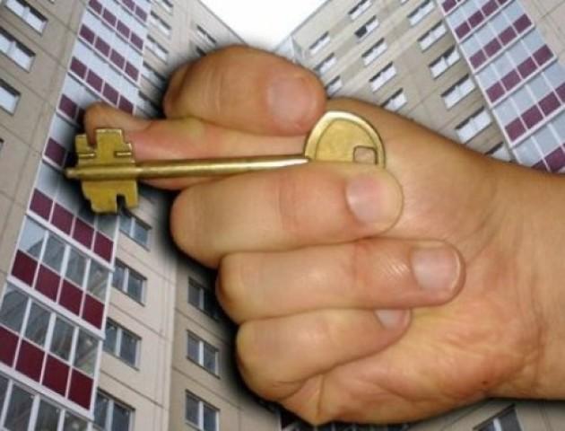 У Луцьку горе-хазяйка виселяє квартиранток посеред ночі