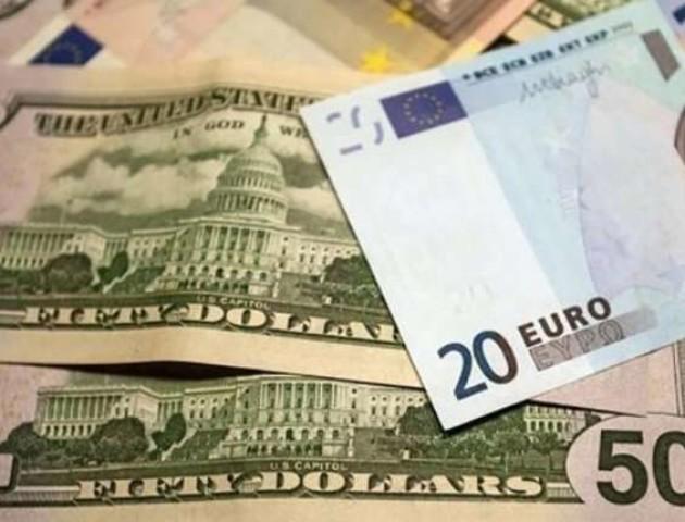 Курс валют на 20 листопада: євро стрімко дорожчає, долар – майже незмінний