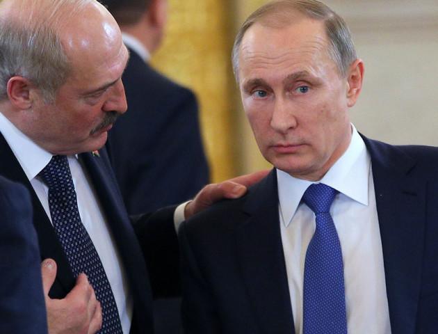 Путін приїхав на зустріч з Лукашенком в туфлях з 10-сантиметровим каблуком