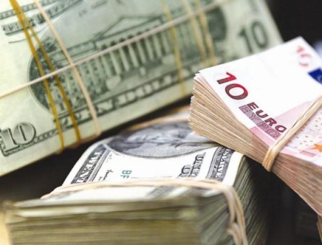 Курс валют на 5 липня: долар і євро суттєво дорожчають