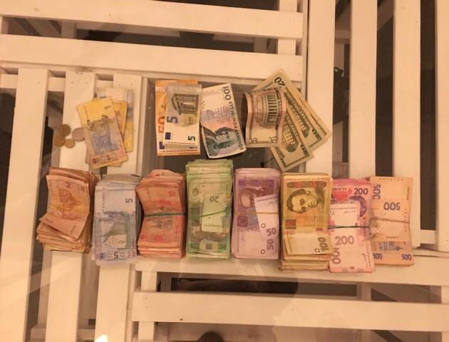 Лучани зібрали більше 120 тисяч гривень для онкохворої Мар'яни Пархом'юк