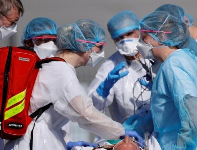 Троє волинських лікарів поїхали в Італію боротися з COVID-19