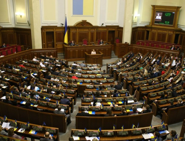 В Україні підвищать податки на цигарки та посилки з-за кордону