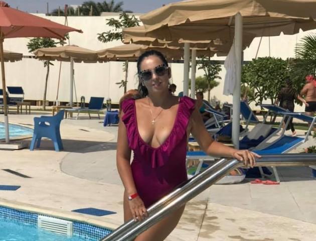 Луцька телеведуча Наталка Войтович похизувалася купальниками на відпочинку в Єгипті. ФОТО
