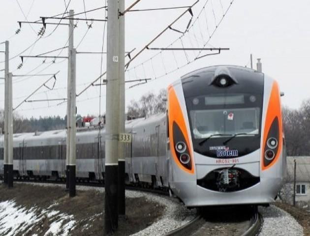 Потяг «Ковель – Львів» тимчасово змінить графік руху