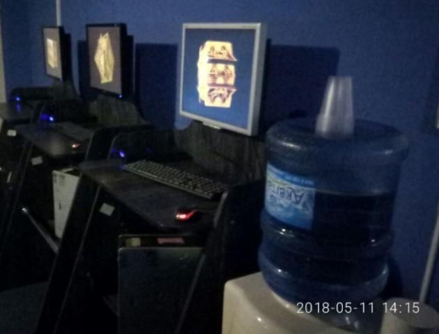 У Володимирі-Волинському викрили гральний заклад. ФОТО