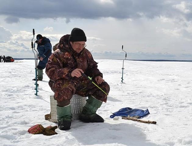Де на Шацьких озерах порибалити взимку