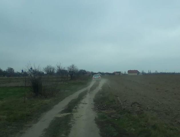 Через перекриття траси у Княгининку водії об'їжджають дорогу полями