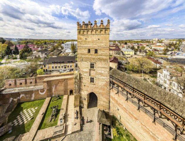 У Луцьку змінять територію біля замку. Нащо це роблять і куди подавати ідеї