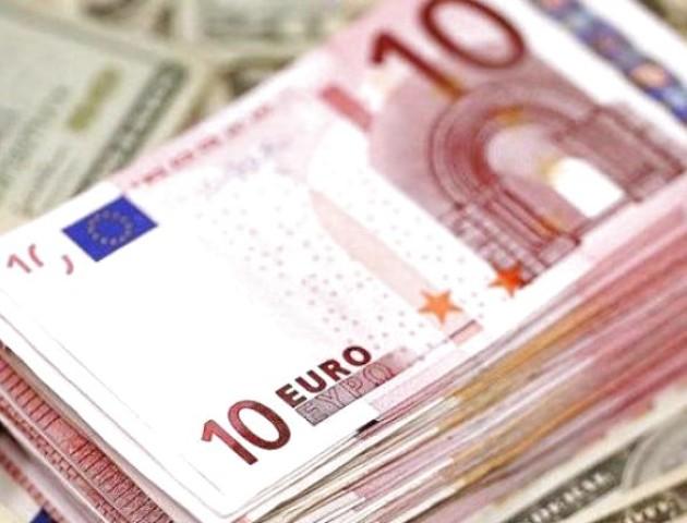 Курс валют на 10 жовтня: євро падає, долар – без змін