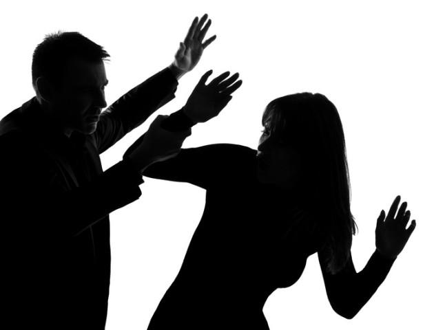У Луцьку перехожі серед ночі допомогли жінці, яку погрожував убити чоловік