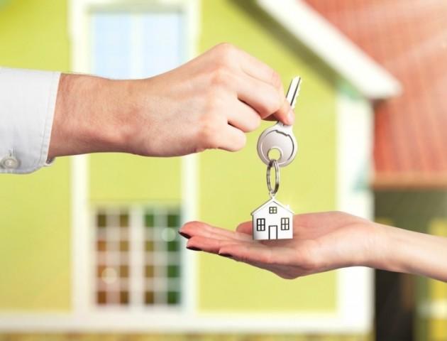 «Житловий бум»: у Луцьку військові з нової частини масово шукають квартири