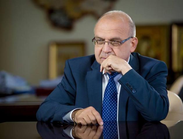 Губернатор Волині Володимир Гунчик перепросив у сім'ї атовця за водія-хама