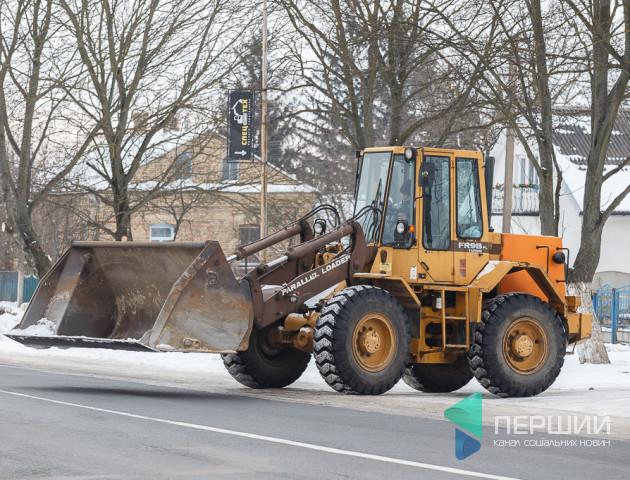 Прибрати сніг, розчистити замети, звільнити дорогу: «Спец Тех» допоможе