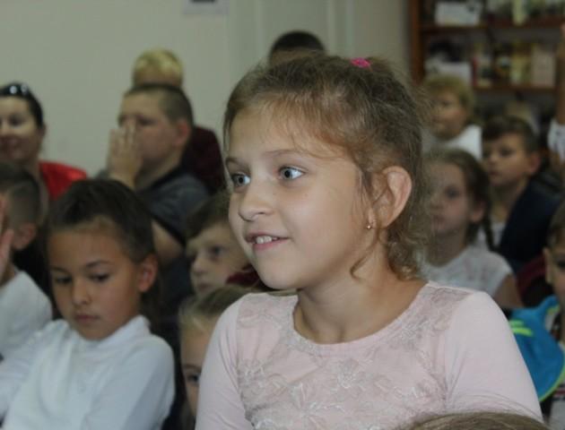 Школярі зустрілися з українською письменницею Марією Людкевич. ФОТО