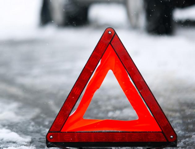 Поліція розшукує водія, який спричинив смертельну ДТП під Луцьком та втік