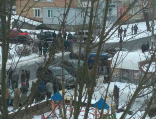 На Рівненщині 200 копачів бурштину напали на поліцейських. ВІДЕО. ФОТО