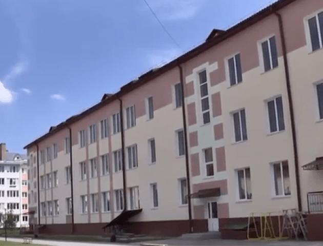 27-му школу у Луцьку таки добудували. ВІДЕО