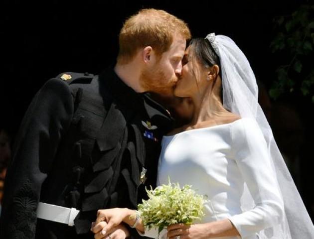 Британський принц Гаррі одружився з акторкою Меган Маркл. ФОТО. ВІДЕО
