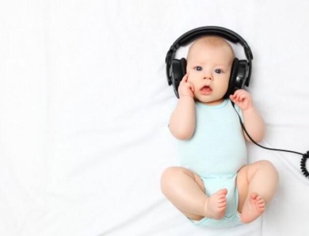 На Волині безкоштовно обстежують слух у дітей, мами яких вагітними перехворіли на коронавірус