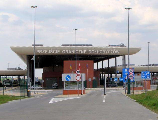 Польща закрила пішохідний пункт пропуску з Україною