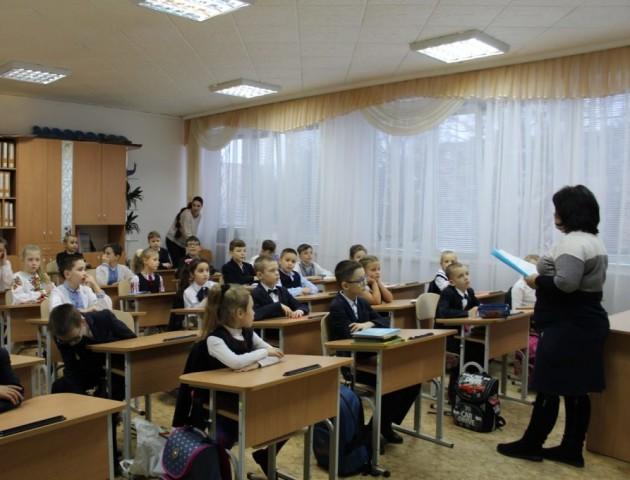У Луцькому районі від навчання відсторонили школярів, які не мають щеплення від кору. ВІДЕО