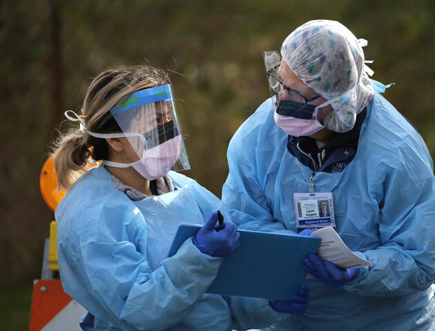 В Британії - новий штам коронавірусу. Вже дві країни заборонили польоти звідти