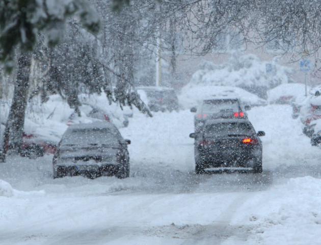 Через снігопади Савченко просить волинян далеко не їздити