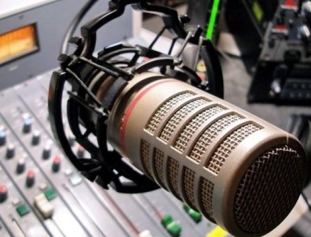 На радіо побільшає пісень українською мовою