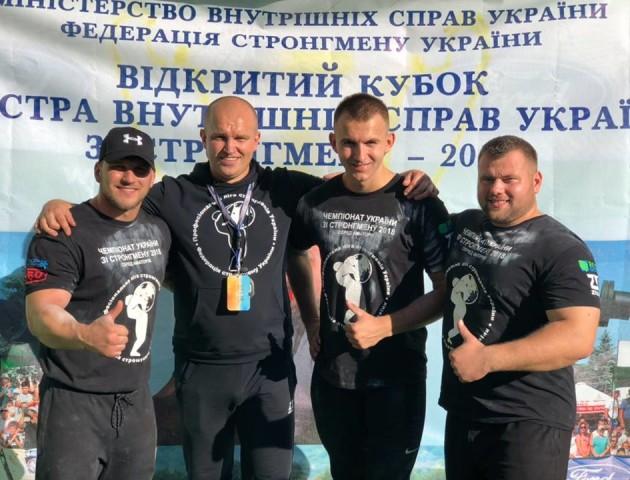 Волинські стронгмени дебютували на всеукраїнських змаганнях. ФОТО